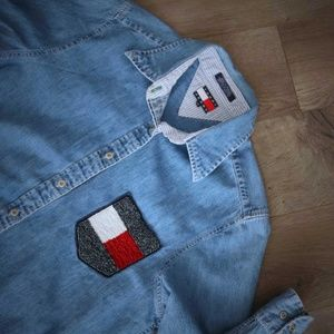 90s Tommy Jeans Denim Shirt Beaded Flag Pocket 10